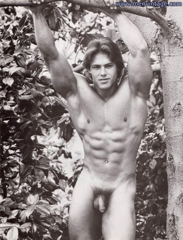 muscle hunk nude