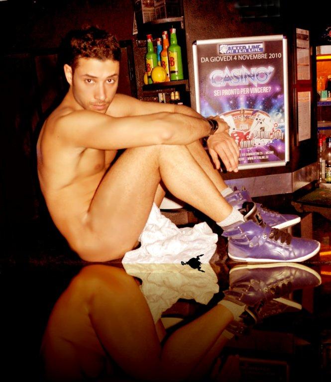 italian gay stripper naked
